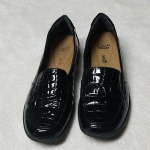 Clarks Black Croc Embossed Loafers Size 11